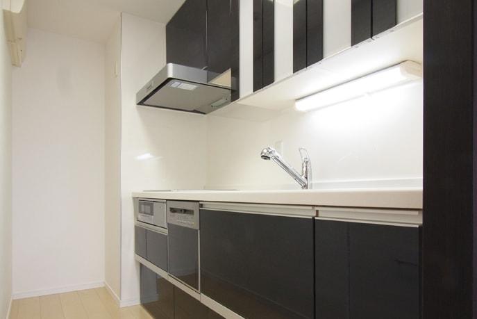シンプルでスッキリしたキッチン空間 広島市中区