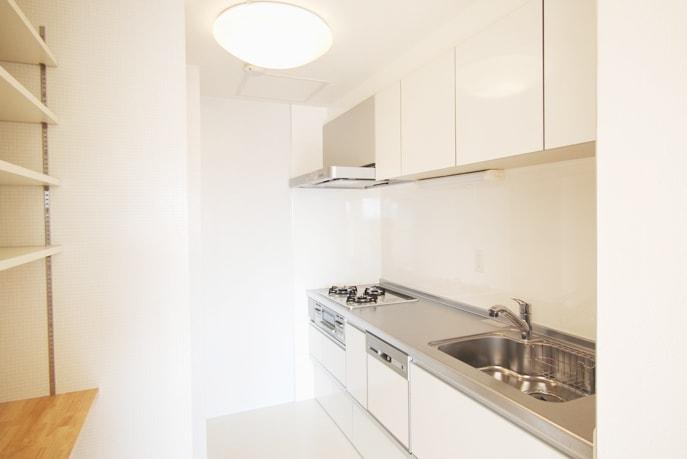 明るく使いやすいキッチン空間 広島市南区