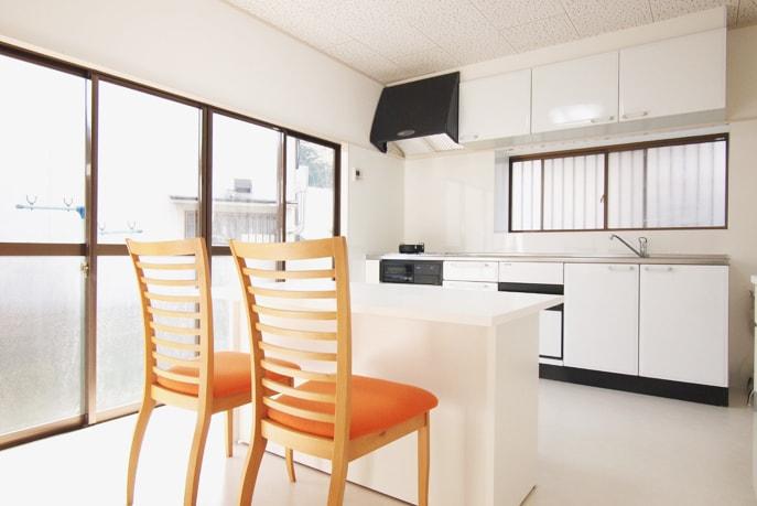 白を基調にしたダイニング空間 広島市安佐北区