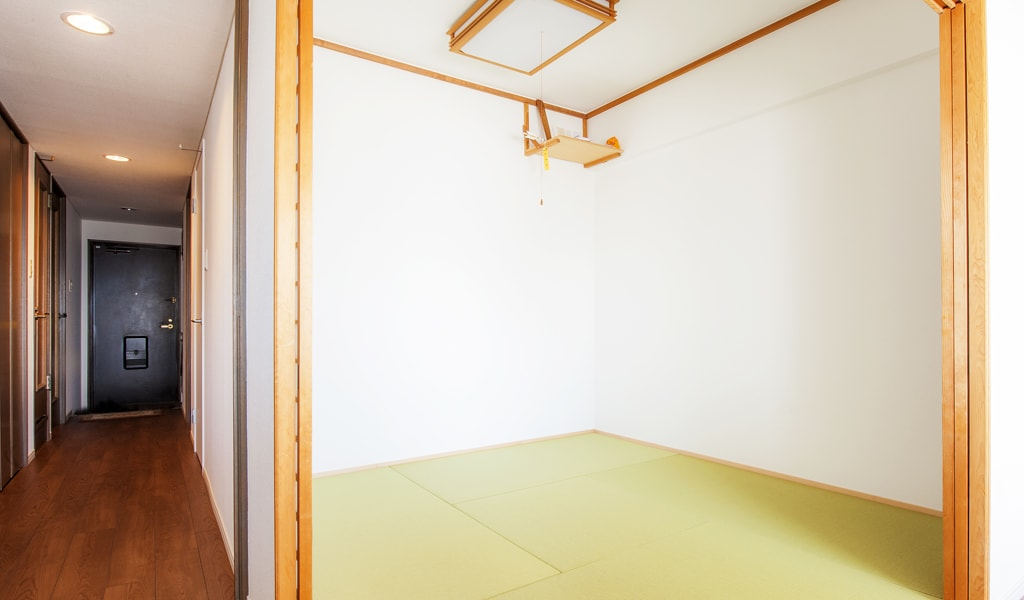 Japanese-style room -和室-