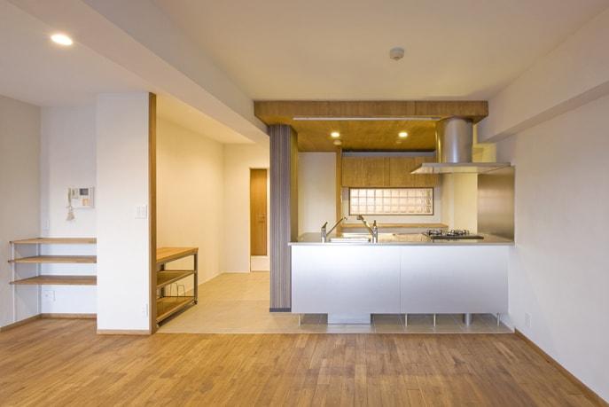 異素材を組み合わせたオリジナルキッチン  広島市南区