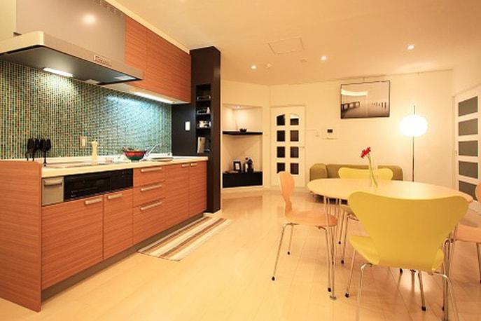 POPで上品な空間 広島市西区 reno+plus01