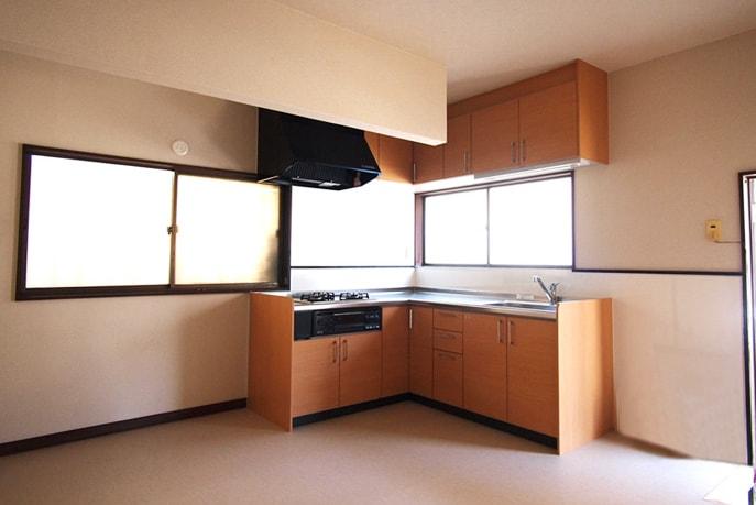 老朽化によるキッチンリフォーム 広島市佐伯区